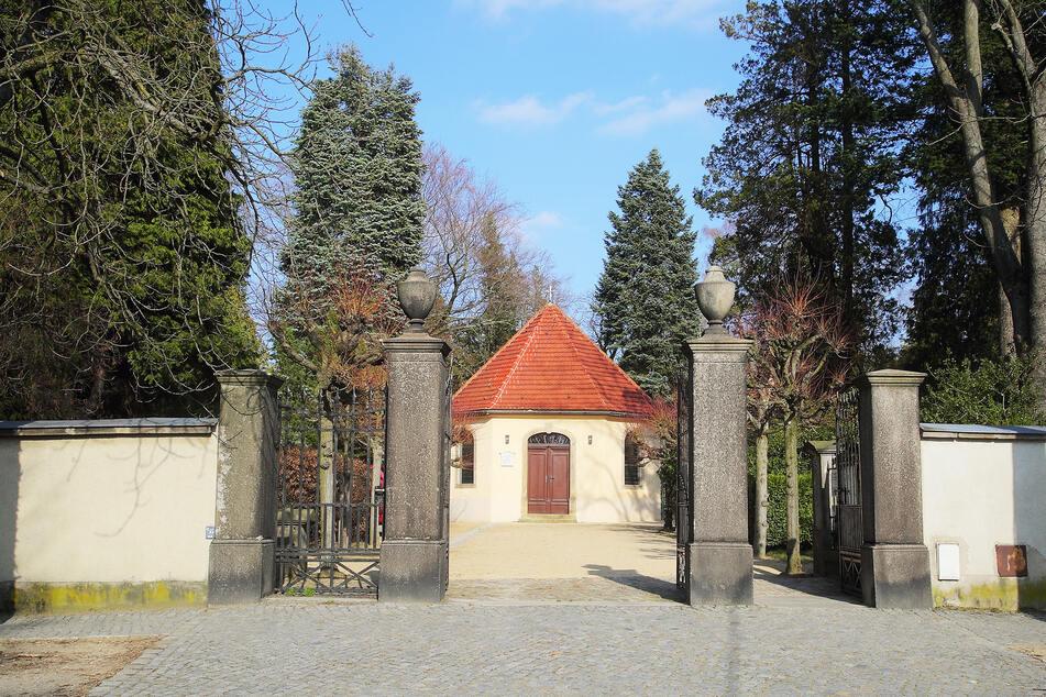 Am Sozialgebäude des Pulnsitzer Friedhofs bissen sich Einbrecher die Zähne aus.