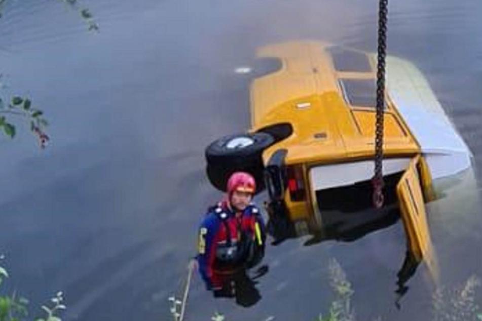 Frau ertrank, als Campingbus in Kanal rutschte: Gutachter untersucht Fahrzeug