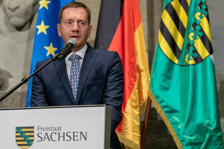 Sachsens Ministerpräsident Michael Kretschmer (45, CDU) am Freitag auf einer Pressekonferenz.