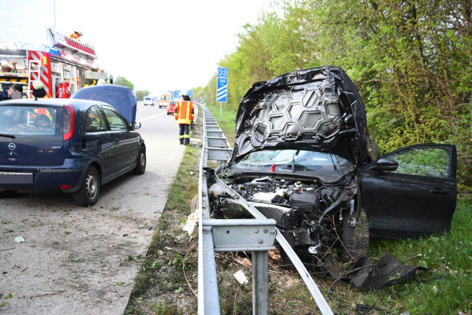 Schwerer Unfall auf der A5: Opel kracht mit Ford zusammen