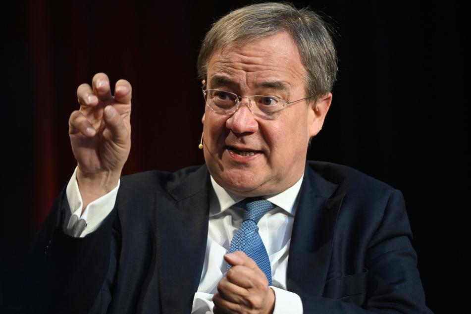 Unions-Kanzlerkandidat Armin Laschet (60, CDU) hat sich für eine Auskunftspflicht über den Impfstatus in allen Betrieben in Deutschland ausgesprochen.