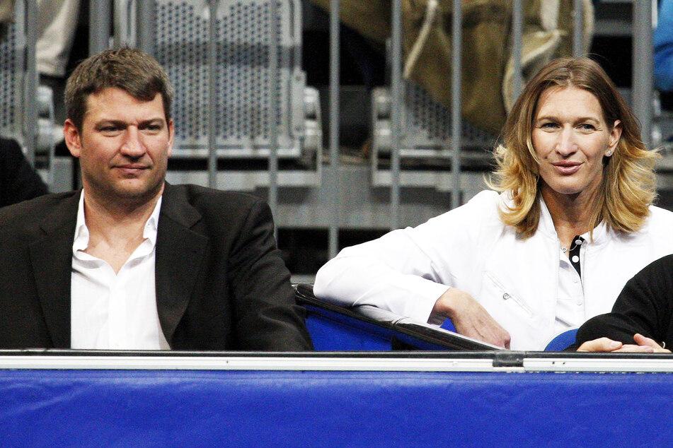 Steffi Graf (51) und ihr Bruder Michael (49) am Rande eines Benefiz-Spiels 2007 in Mannheim.