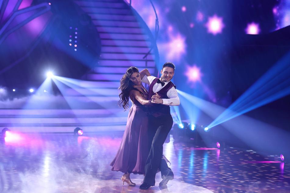 """In der 14. """"Let's Dance""""-Staffel hat Robert Beitsch (29) mit Sängerin Senna Gammour (41) den 12. Platz gemacht."""