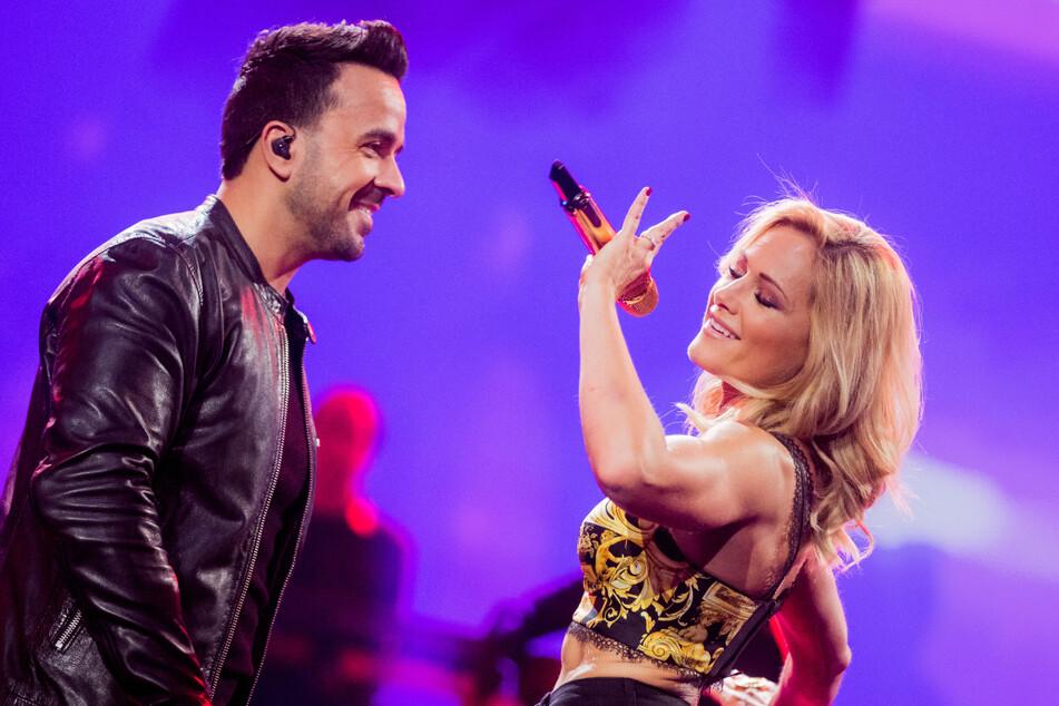 Helene Fischer (36) stand schon öfter gemeinsam mit Latino-Sänger Lusi Fonsi (43) auf der Bühne - hier bei ihrer Weinachts-Show 2018.
