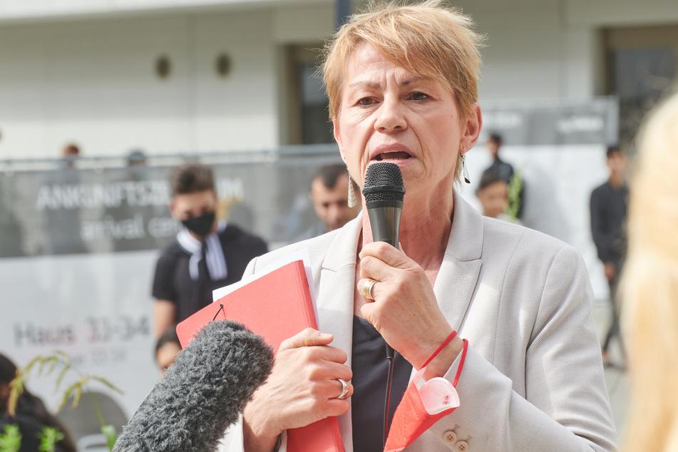 Elke Breitenbach (60, Linke) kümmert sich unter anderem um die Flüchtlingsunterkünfte.