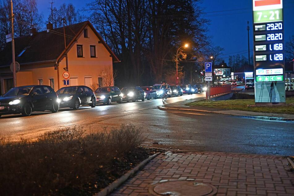 Am Grenzübergang Varnsdorf staute es sich.