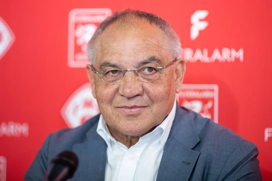 Felix Magath (67) ist bekannt für eine klare Kante. Ex-Trainer Marco Antwerpen bekommt dies nun bitterböse zu spüren.