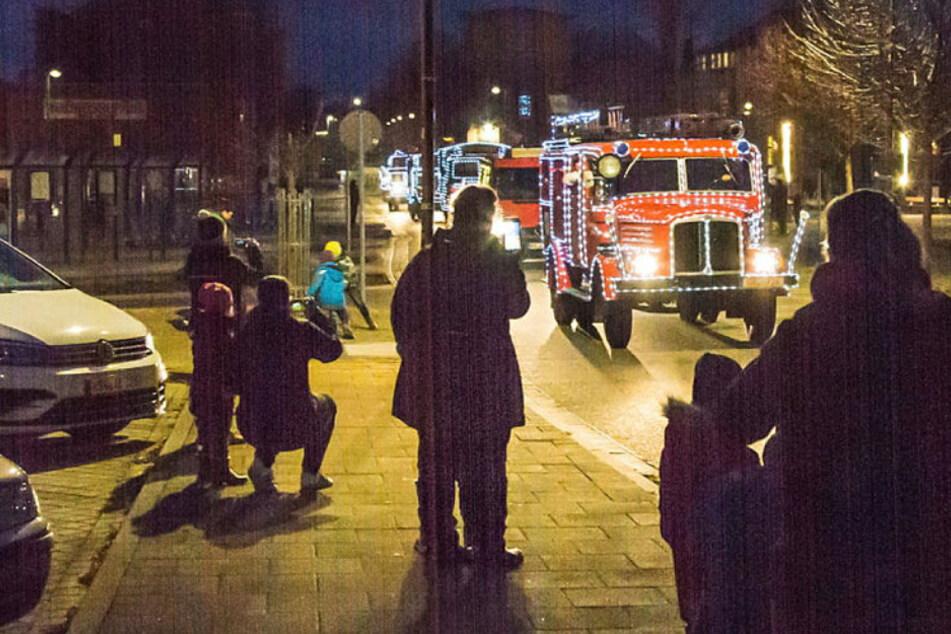 Schöne Bescherung mit der Feuerwehr: Kameraden machen den Weihnachtsmann