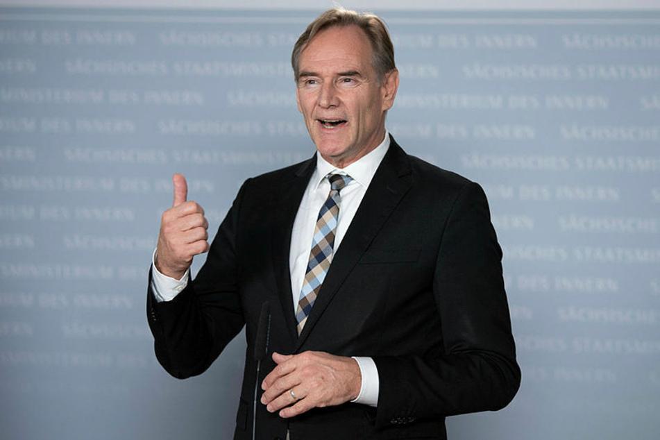 Leipzigs OB Burkhard Jung (62, SPD) fürchtet um den ÖPNV in Sachsens Städten und warnt vor riesigen Verlusten.