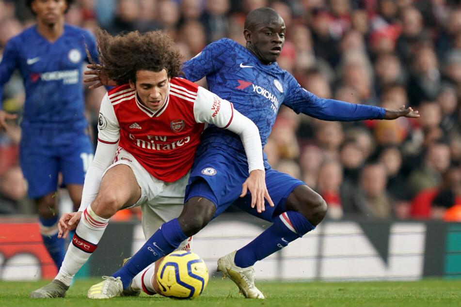 Matteo Guendouzi im Zweikampf mit Chelseas N'Golo Kante. Die Arsenal-Leihgabe könnte sein Debüt für Hertha feiern.