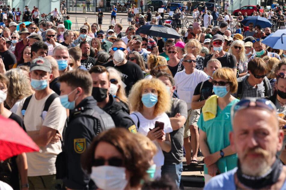 Leipzig: Konsequenzen nach Impfgegner-Demo in Leipzig? Beschwerde bei der Polizei eingereicht