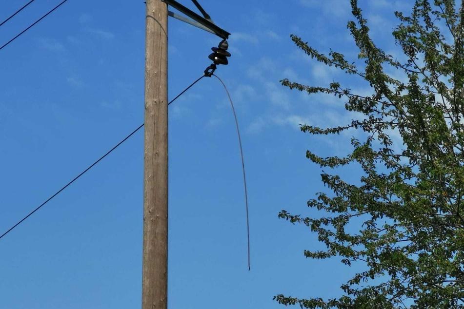 Eine Stromleitung war gerissen und hatte Funken geschlagen.