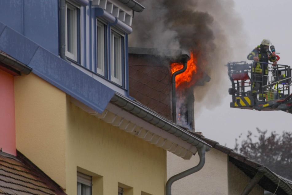 Die Feuerwehr im Einsatz in Pfinztal-Söllingen.
