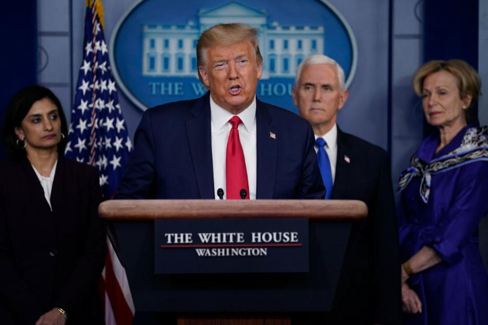US-Präsident Donald Trump (73) während einer Pressekonferenz der Coronavirus-Task Force im Weißen Haus.