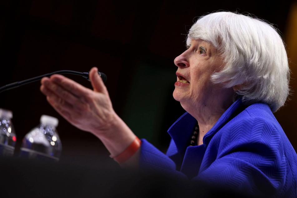 Democrats explore options for debt ceiling as Republicans threaten government shutdown