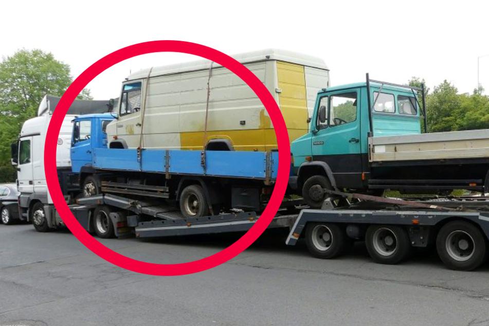 Der Transporter war verbotswidrig auf der Pritsche eines ebenfalls geladenen Lastwagens festgeschnallt.