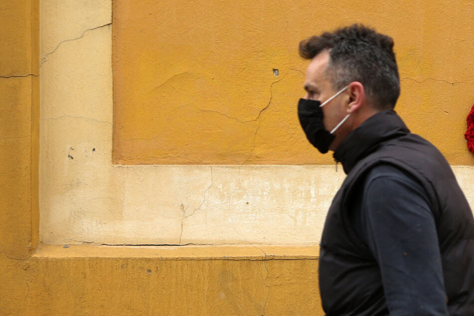 Tschechien meldet 8916 neue Fälle binnen 24 Stunden - nun werden Corona-Hotspots abgeschottet. (Symbolbild)