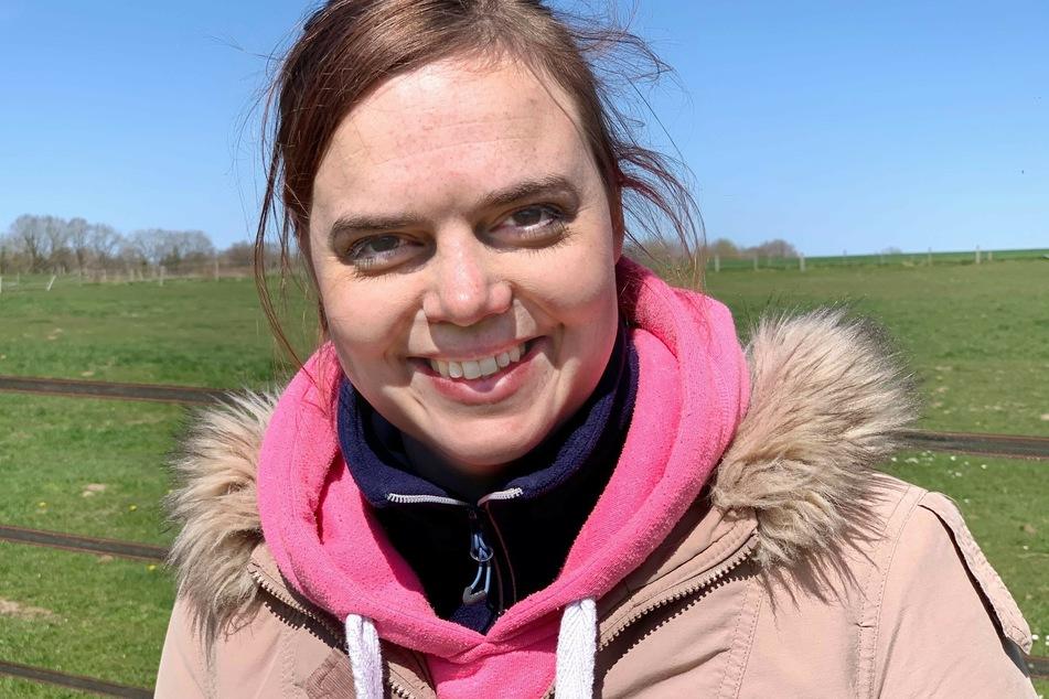 Pferde-Liebhaberin Lara (26) möchte eine Freundin, die loyal, ehrlich und nicht auf den Kopf gefallen ist.
