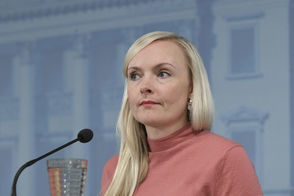 Maria Ohisalo, Innenministerin von Finnland, spricht bei einer Pressekonferenz.