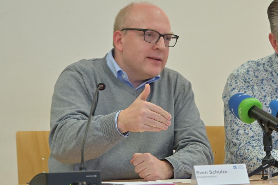 Stadt-Kämmerer und Finanz-Bürgermeister Sven Schulze (48, SPD) will eine Haushaltssperre um jeden Preis verhindern.
