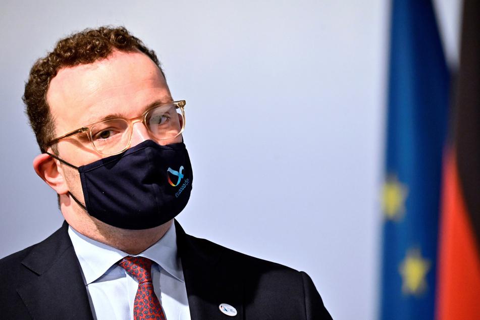 Jens Spahn (CDU), Bundesgesundheitsminister, warnt vor einem erneuten Anstieg der Infektionen.