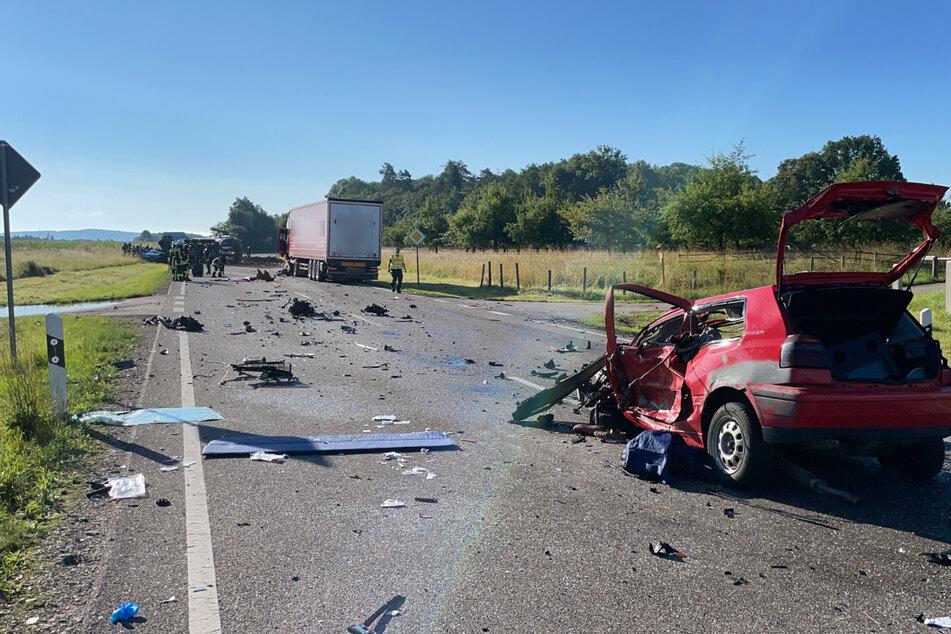 Golffahrer löst tödliche Kettenreaktion aus: Mann stirbt bei Unfall mit mehreren Fahrzeugen