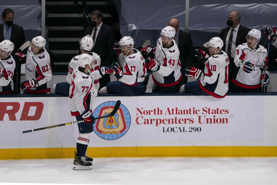 Capitals Right Wing TJ Oshie scored three goals as the Capitals beat the Rangers for the second-straight game on Wednesday