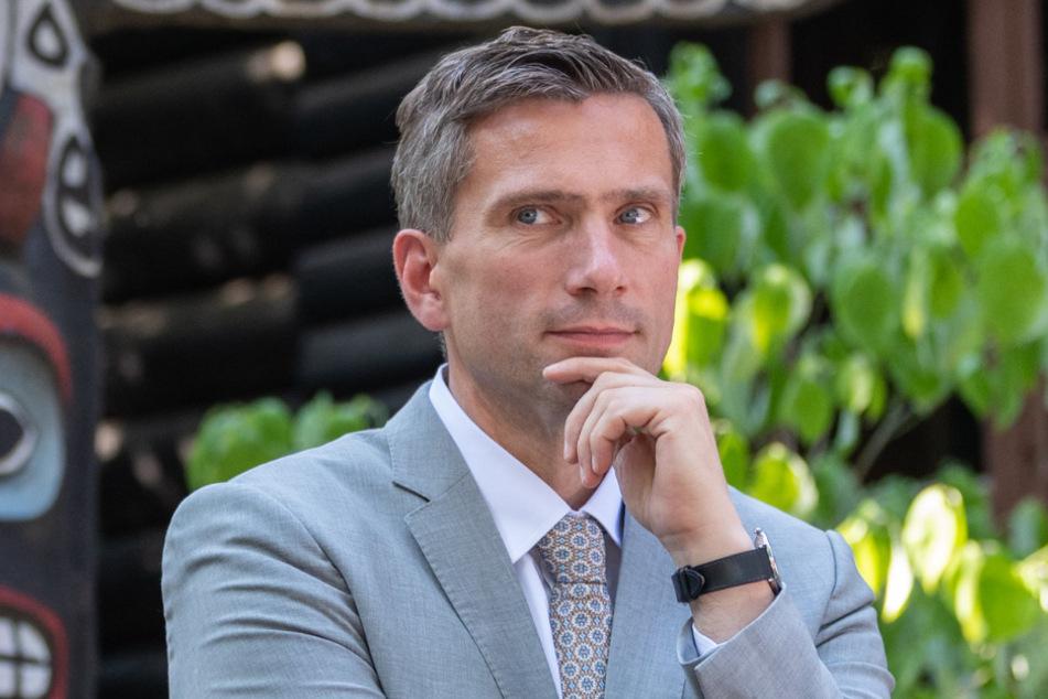 Wirtschaftsminister Martin Dulig (46, SPD) kündigte auch Hilfen für den Mittelstand an. Der hatte Alarm geschlagen.