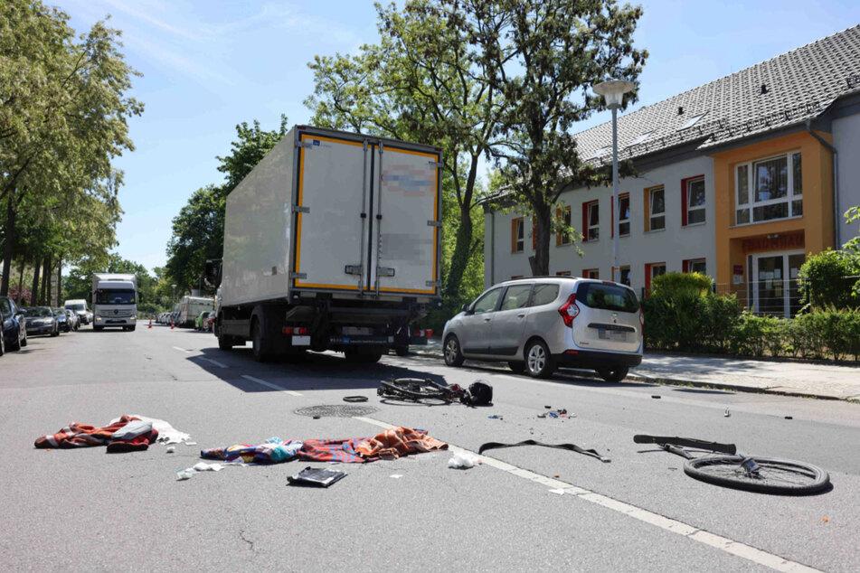 Der Lastwagen erfasste das Fahrrad an der Ecke Haydnstraße/Tittmannstraße.