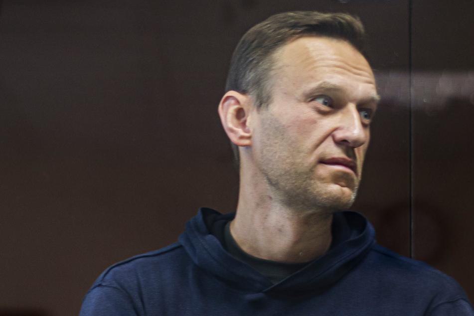 Lähmungs-Erscheinungen im Bein: Große Sorge um Kremlgegner Alexej Nawalny!