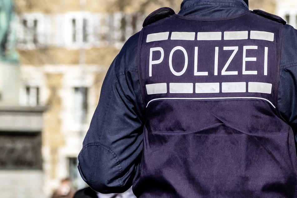 Dresden: Auch nach Feierabend immer bereit: Polizist rettet Rentnerin aus verqualmter Wohnung in Blasewitz