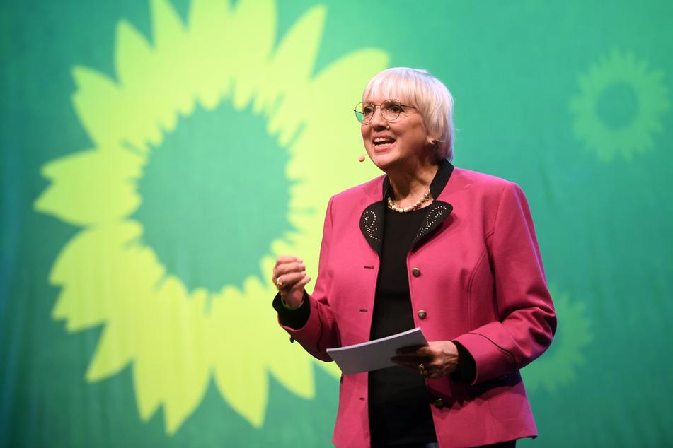 Grünen-Politikerin Claudia Roth (66) wurde ein Zitat in den Mund gelegt, das sie so nie gesagt hat.