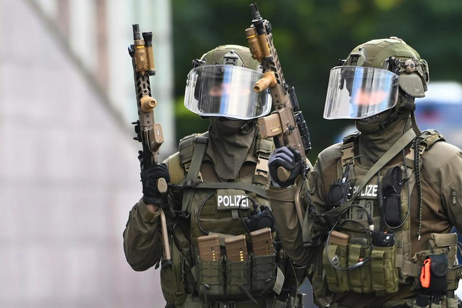 Beamter der Spezialeinheit wegen rechtsextremen Äußerungen suspendiert