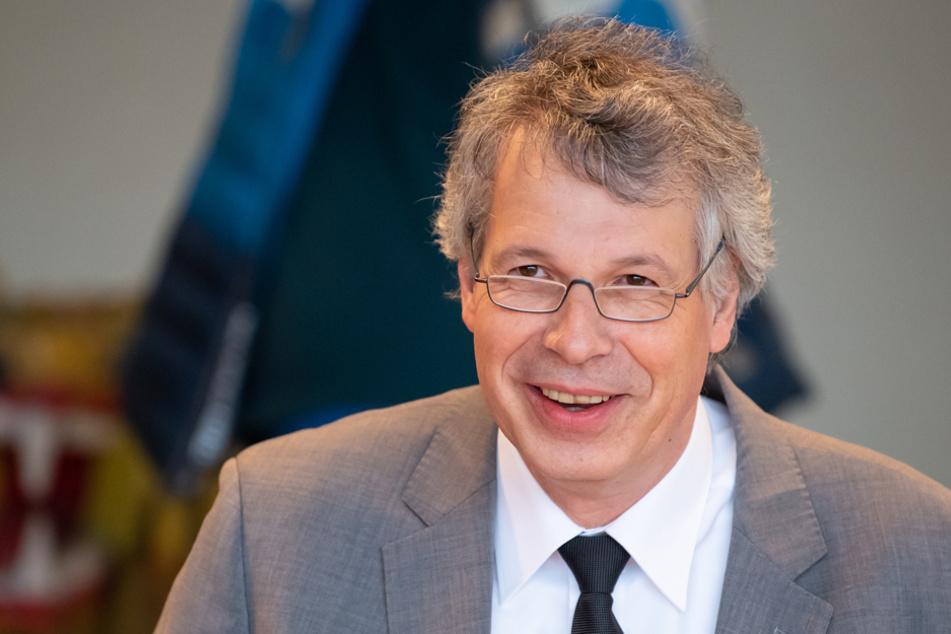 Der Präsident des Landesamts für Gesundheit und Lebensmittelsicherheit, Andreas Zapf, zeigt sich zufrieden. (Archiv)