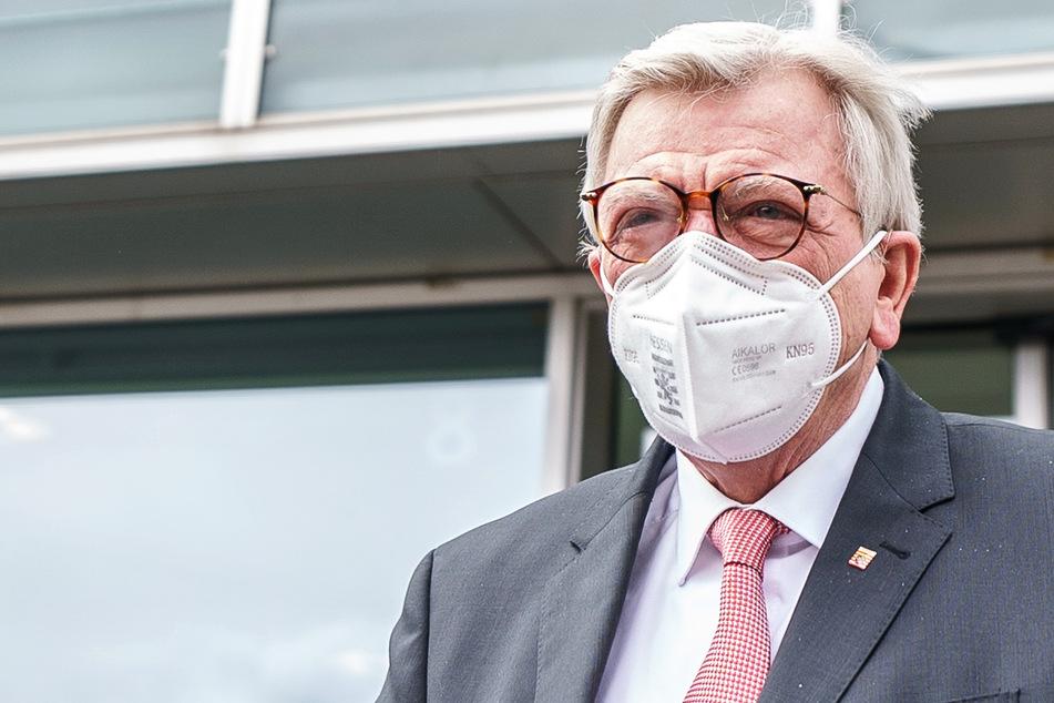 Der Ministerpräsident von Hessen, Volker Bouffier (69, CDU), ist besorgt wegen der Ausbreitung der Delta-Variante des Coronavirus.