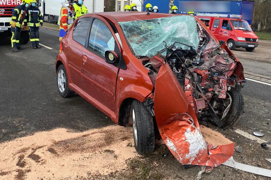 Auf der B7 in der Nähe von Erfurt ist am Samstag eine Toyota-Fahrerin tödlich verunglückt.