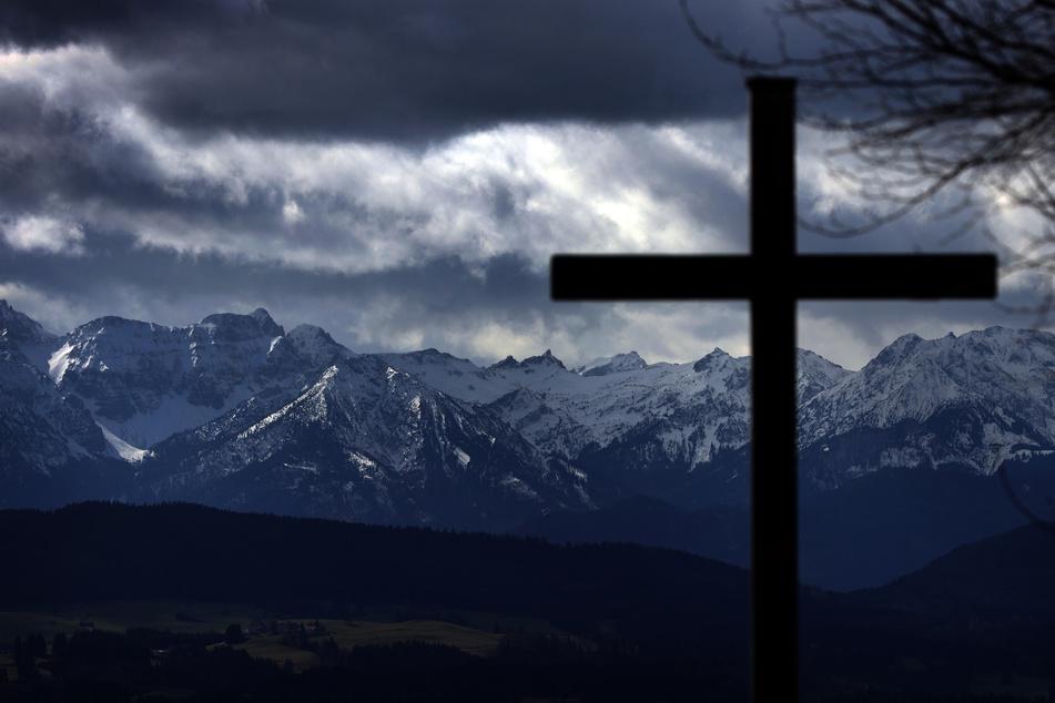 Das christliche Symbol stellt laut Gericht eine rechtswidrige Eigentumsbeeinträchtigung dar. Gegen das Urteil ist noch Berufung beim Landgericht möglich. (Symbolfoto)