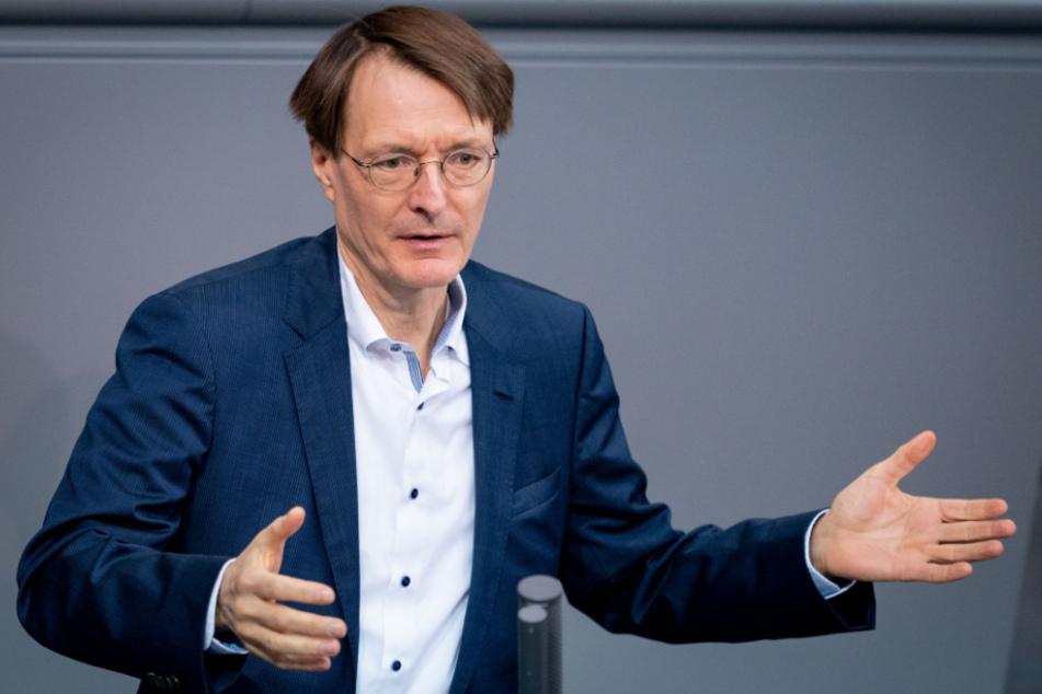 Karl Lauterbach spricht bei einer Sitzung des Bundestages.