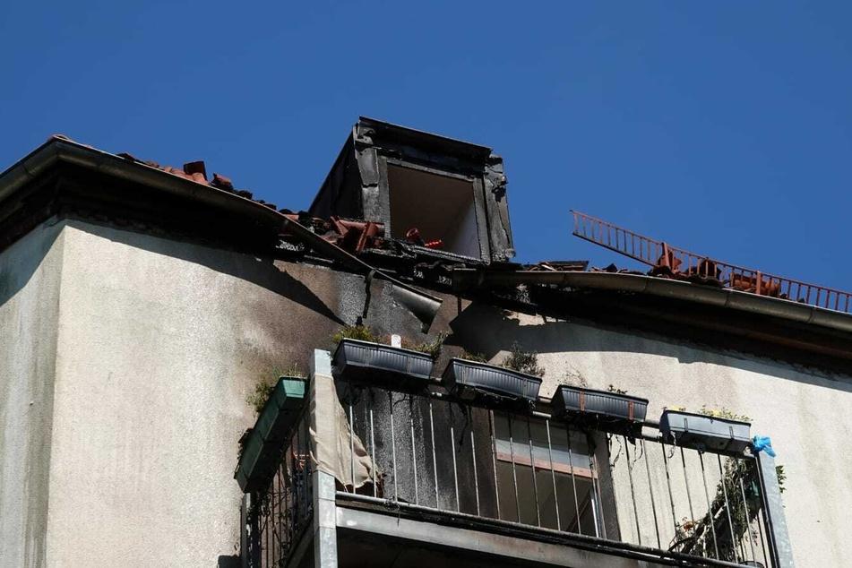 Im Dachstuhl eines Wohnhauses brannte es am Donnerstag.