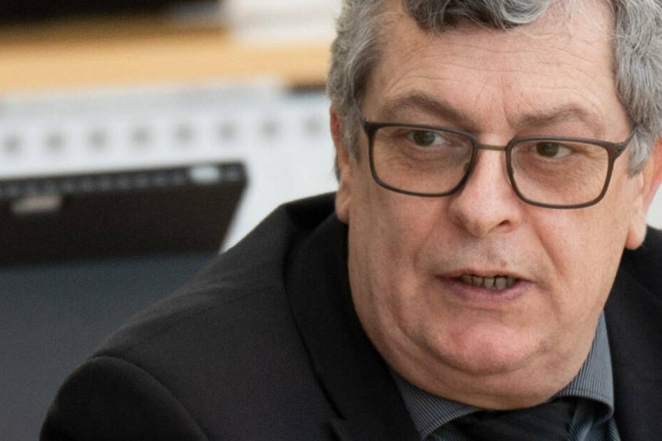 Strafanzeige gegen AfD-Schatzmeister: Hat sich Carsten Hütter den Partei-Porsche geschnappt?