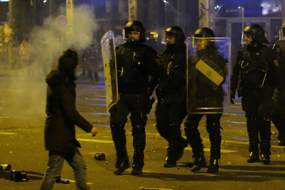 """""""Akte""""-Reporterinnen in Connewitz als Polizisten unterwegs: Staatsanwaltschaft ermittelt"""