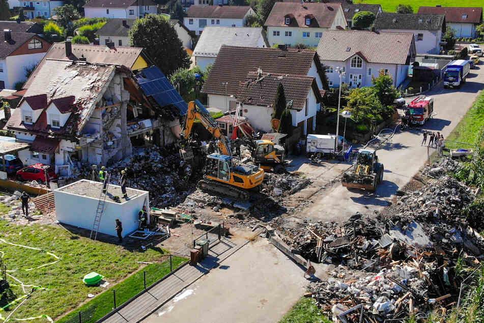 Am Donnerstag war in Rohrbach an der Ilm (Landkreis Pfaffenhofen an der Ilm) bei der Explosion einer Doppelhaushälfte eine 54 Jahre alte Frau getötet worden.