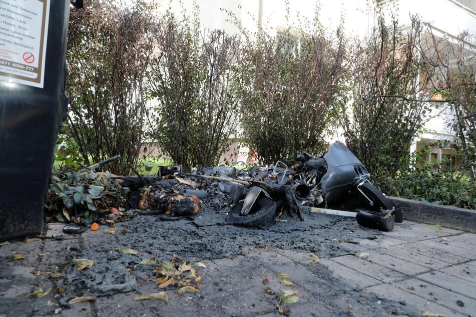 Mehrere Mülltonnen wurden in Chemnitz abgefackelt.
