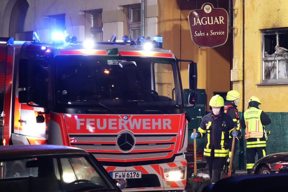 Das Feuer in Frankfurt-Bockenheim brach am Dienstagabend aus, die Polizei vermutet einen technischen Defekt als Ursache.