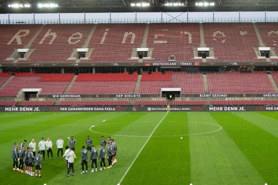 Die deutsche Nationalmannschaft muss das Spiel gegen die Schweiz vor leeren Rängen bestreiten.