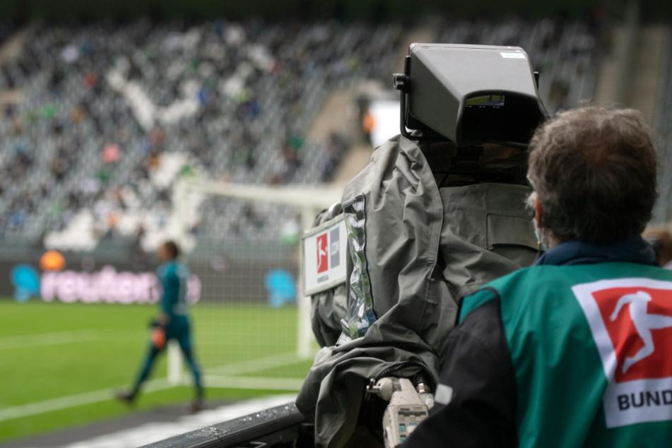 Auch ein Fußballprofi, der 1.Bundesliga feierte mit (Symbolbild.).