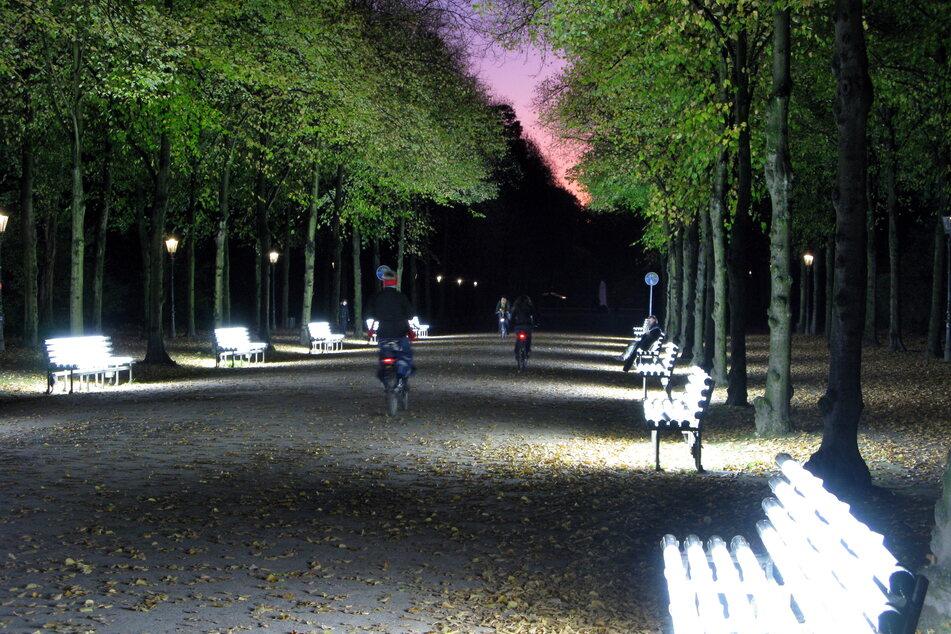 Gruppenvergewaltigung im Düsseldorfer Hofgarten: Drei Jugendliche müssen in Haft