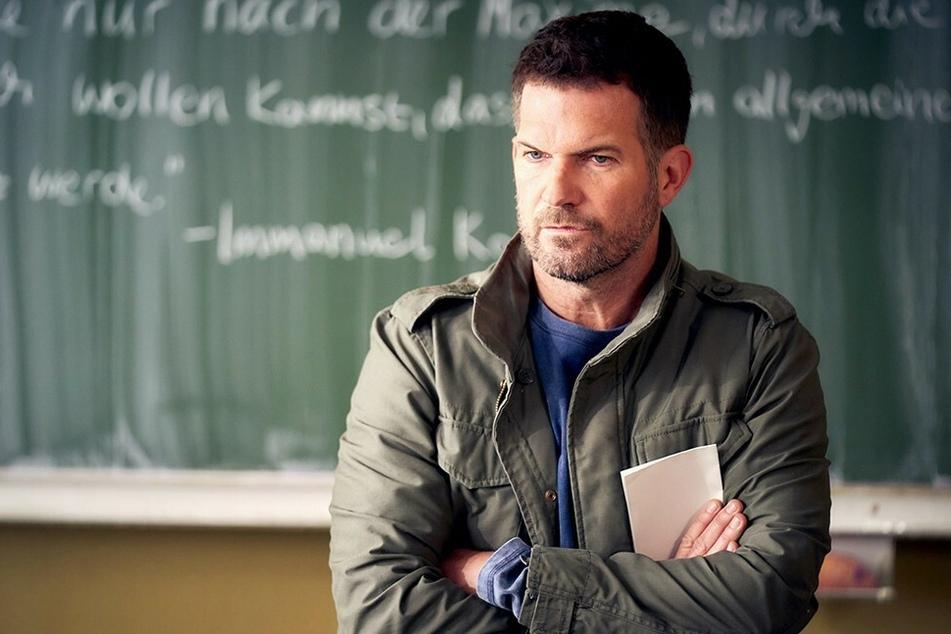 """Nach vielen Jahren stellt RTL seine Serie """"Der Lehrer"""" ein. Zuletzt hatte Schauspieler Simon Böer (46) die Rolle des Mathe- und Physiklehrers David Ritter gespielt."""