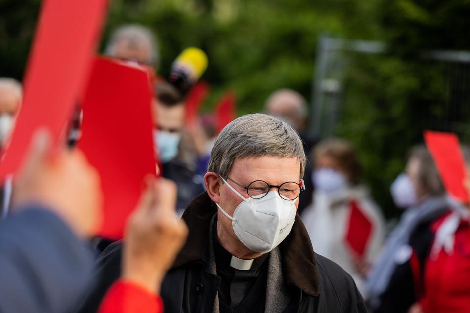 Am Donnerstagabend hat der Kölner Kardinal Rainer Maria Woelki (64) zwei Stunden mit Mitgliedern der Düsseldorfer Kirchengemeinde St. Margareta gesprochen.