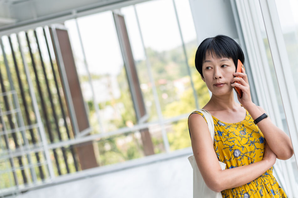 The Chinese woman believed the scammers, even though she usually only had telephone contact with them (stock image).
